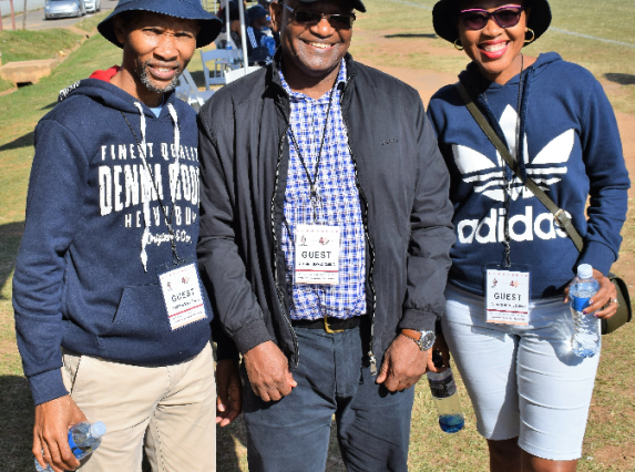 Zama and Sizwe Cele with MUT Vice-Chancellor and principal Dr Malaza (center)
