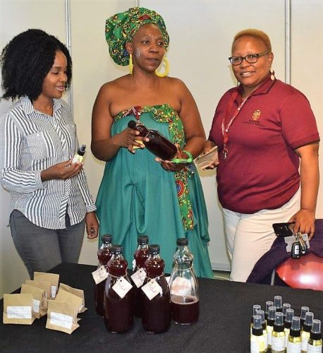 Fundiswa, right, with Fika, middle, and Dr Makhosi Buthelezi of the University's IRDCE